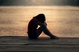 Emetofobi, angst for opkast, trist pige