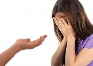Emetofobi, angst for opkast, behandling, udstrakt hånd