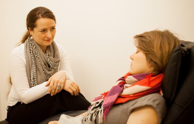 Charlotte Bang, hypnose, behandling, session